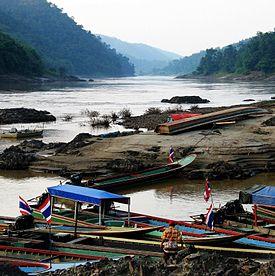 275px-Salawin_river_at_Mae_Sam_Laep